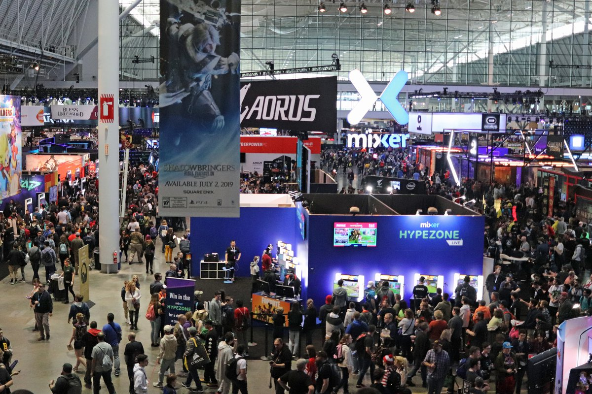 pax east 2019 crowd